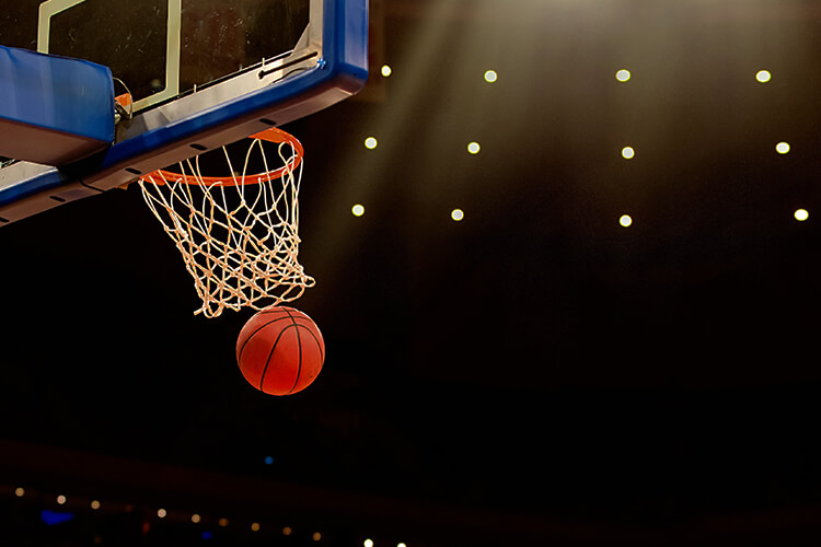 estadio-de-baloncesto-tablero-de-basquet-pelota-de-basquet