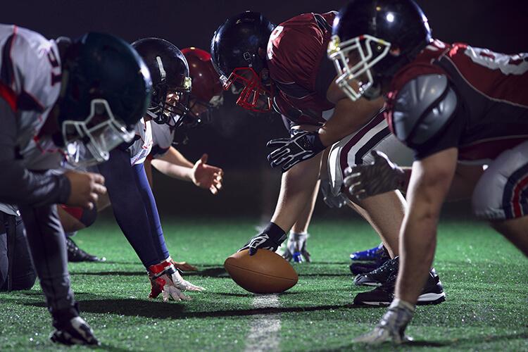 partido-de-futbol-americano-nfl-duelo-entre-equipos-de-futbol-pelota-de-futbol-americano-estadio-de-futbol